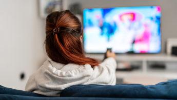 Tηλεόραση: Ανακατατάξεις και στα έσοδα φέρνουν οι αλλαγές στην τηλεθέαση